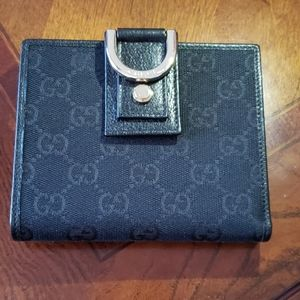 100% Authentic Gucci Abbey D-ring Wallet